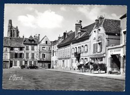 89. Sens. Place Victor Hugo. Hôtel-Restaurant Au Pigeon Voyageur. Cathédrale St. Etienne. - Sens