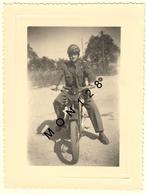 MOTO MILITAIRE -  PHOTO DE FAMILLE D'ORIGINE 10,5x8 Cms - Cycling