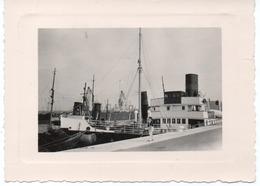 Bateau à Cherbourg Juillet 1952  Photo 8x11cm Port - Places