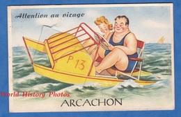 """CPA Carte à Système - ARCACHON - """" Attention Au Virage """" - Couple Sur Pédalo - 1950 - Arcachon"""