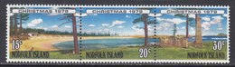 NORFOLK  ISLAND  253 B  **   BEACH  SCENE  CHRISTMAS - Norfolk Island