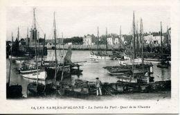 N°63907 -cpa Les Sables D'Olonne -la Sortie Du Port- - Sables D'Olonne
