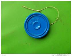 Lot De 2 Jeux Yoyo  Coloris Vert Et Bleu  Publicite Bonux-- - Pubblicitari