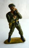 Figurine Guilbert ARMEE MODERNE SOLDAT PARACHUTISTE RADIO 60's Pas Starlux Clairet Cyrnos, - Starlux