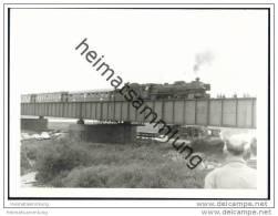 018 323-6 Früher Badische IV H Nr. 1011 In Lauenburg/Elbe 1969 - Foto 7,5cm X 10,5cm - Treni