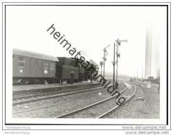 BR50 Lokomotive Im Bahnhof Warburg Auf Dem Weg Nach Kassel 1969 - Foto 7,5cm X 10,5cm - Trains