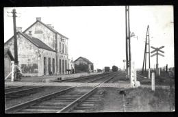 RARISSIME CP-PHOTO ANCIENNE BELGIQUE- STRÉE- LA GARE AVANT CONSTRUCTION DE L'AUVENT- GROS PLAN- ARRIVÉE DU VAPEUR- 2 SCA - Beaumont