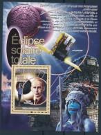D- [400205] **/Mnh-Guinée 2008 - BL3597, Eclipse Totale Du Soleil, Astronomie, Espace, Personnalités - Astronomie