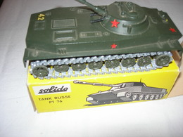 TANK RUSSE ) REPRODUCTION SOLIDO   -PT 76 -ETAT NEUF AVEC BOITE           N207 -  9/62 - Tanks