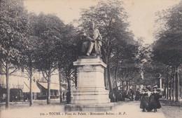 CS /  Monument De BALZAC. Place Du Palais .   Tours (37) Animée - Arts