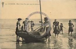 /! 7369 - CPA/CPSM  :  44 - La Baule : Mise à L'eau D'un Canot De Plaisance - La Baule-Escoublac