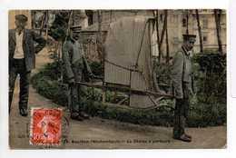 - CPA BOURBON-L'ARCHAMBAULT (03) - La Chaise à Porteurs 1908 (superbe Gros Plan) - - Bourbon L'Archambault