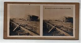 Ancienne CARTE Vue Stéréoscopique Guerre 1914-18 La Voie Ferrée Derrière Les Boches En Flandre 1918 - Stereoscopic