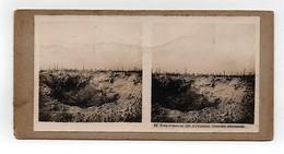 Ancienne CARTE Vue Stéréoscopique Guerre 1914-18 Trou D'obus De 420. A L'horizon: Tranchée Allemande - Fotos Estereoscópicas