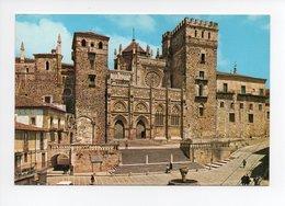 Espagne: Guadalupe, Plaza Y Fachada Principal Del Monasterio (18-2133) - Espagne