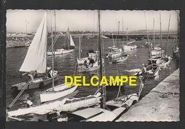 DF / 50 MANCHE / SAINT-VAAST-LA-HOUGUE / LA CALE AUX YACHTS / CIRCULÉE EN 1962 - Saint Vaast La Hougue