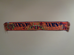 Bufanda (scarf) Naranja. Boixos Nois Del Futbol Club Barcelona. 145 X 20 Cm - Apparel, Souvenirs & Other