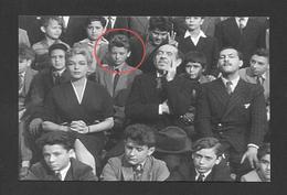 ARTISTES - CHANTEUR - JOHNNY HALLYDAY EN 1962 A OBTENU UN RÔLE DANS LES PARISIENNES - Actors