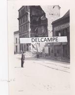 VAISE  LYON 1944 - Photo Originale De La Route De Vienne, Les Immeubles éventrés  ( Rhône ) - Places