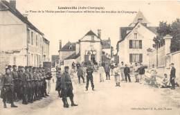 10 - AUBE / Landreville - 101669 - La Place De La Mairie - Beau Cliché Animé - Francia