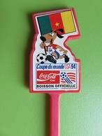 136 - Touilleur - Agitateur - Mélangeur à Boisson - Coca Cola - Coupe Du Monde Foot USA 1994 - Cameroun - Mélangeurs à Boisson