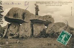- Charente Maritime -ref-H279- Montguyon -monument Druidique De Pierre Folie - Dolmen Et Menhirs - Druidisme - Religions - France