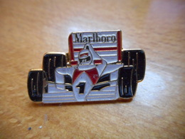 A003 -- Pin's Marlboro Voiture De Course F1 - Automobile - F1