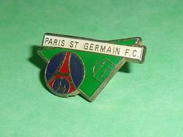 Pin's / Football / Foot  : Paris St Germain Fc   TB1X - Football