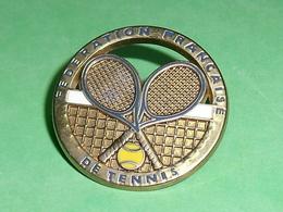 Pin's / Tennis : Fédération Française , Verso Ballard , Broche       TB1Y - Tennis