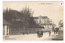 CPA. Cholet. La Rue Travot   Animation.    (749) - Cholet