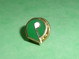 Pin's / Golf  : Logo  TB1Z - Golf