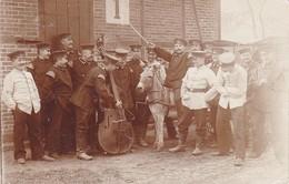 AK Foto Deutsche Soldaten Mit Esel Und Bass - Humor - Lockstedter Lager - 1907 (35926) - Weltkrieg 1914-18