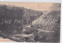 CPA AUTOIRE 46 ENTREE CIRQUE ET CONTOUR DE LA ROUTE AU DESSUS DE LA CASCADE - France