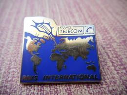 A006 -- Pin's Tosca -- France Télécom RNIS Internationnal - France Telecom