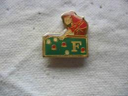 Pin's Joueur Du Club De Billard F - Billard