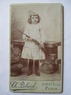 Photographie Ancienne CDV -  Enfant - Fusil De Chasse - Photo  Debrock, Paris    TBE - Photographs
