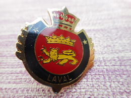 A008 -- Pin's Blason Laval - Cities