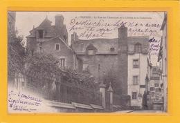 VANNES-56- La Rue Des Chanoines Et Le Cloître De La Cathédrale - Vannes