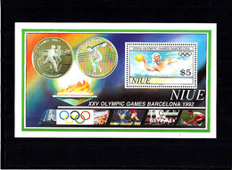 Olympics 1992 - Cycling - Soccer - NIUE - S/S MNH - Ete 1992: Barcelone