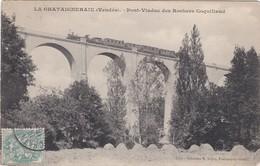 F85-032 LA CHATAIGNERAIE - Train Locomotive Traversant Par Le Pont Viaduc Des Rochers Coquillaud - La Chataigneraie