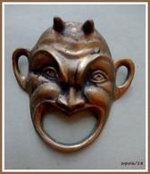 Masque Miniature En Bronze Ou Laiton : Démon, Grotesque - Bronzes