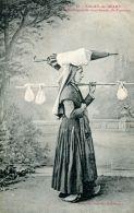 N°64138 -cpa Salies De Béarn -marchande De Fromage- - Händler