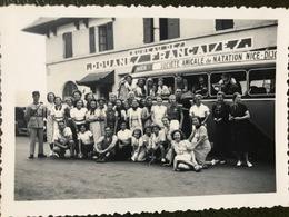 Photo Originale Douanes Françaises France Suisse Autobus Natation Nice Genève - Lieux