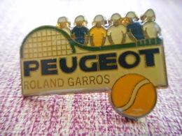 A002 -- Pin's Peugeot Roland Garros - Peugeot