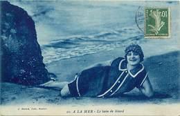 """- Themes - Ref.A904 - Femmes - Baigneuses - Femme - Baigneuse - Costume De Bain - A La Mer - """" Le Bain De Lezard """" - - Femmes"""