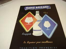 ANCIENNE PUBLICITE APERITIF TRADITION FRANCAISE MARIE BRIZARD A L EAU 1953 - Alcoholes