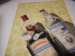 ANCIENNE PUBLICITE ANISETTE ET BLACKBERRY DE MARIE BRIZARD 1956 - Alcoholes