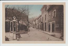VIRIEU SUR BOURBRE - ISERE - RUE DE LA MAIRIE - POMPE A ESSENCE - Virieu