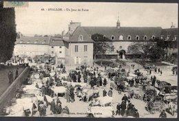 89 // AVALLON EN 1908 - UN JOUR DE FOIRE - MARCHE AUX BOEUFS -EDITEUR POTHAIN N°68 - Fairs