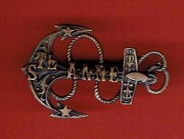 BROCHE ANCIENNE SOUVENIR SE SAINTE ANNE D AURAY MORBIHAN ANCRE DE MARINE - Obj. 'Remember Of'